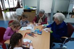 Božično - novoletne delavnice z otroki vrtca Tezno