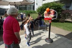 Športne igre z otroki vrtca Tezno